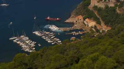 Forts et village de Port-Cros