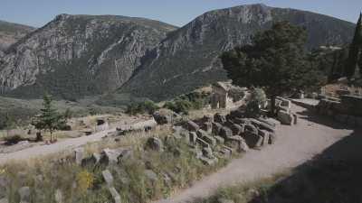 Le temple d'Apollon et le Trésor des Athéniens