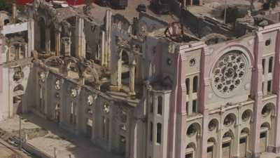 La ville et les ruines de la cathédrale