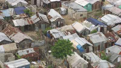 Camps de réfugiés, maisons de toile