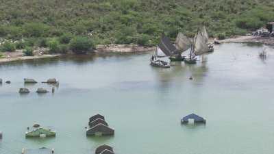 Maisons inondées, bateaux déchargés