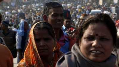 Gros plans sur participants de la Kumbha Mela