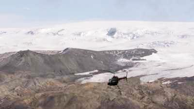 Hélicoptère Nordurflug survolant le Vatnajokull
