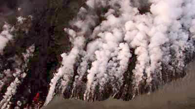 Eruptions sur le Holuhraun, épaisses colomnes de fumée