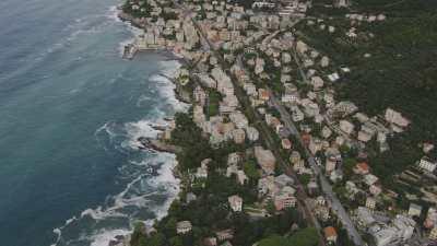 Habitations sur la côte, près de Gênes