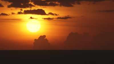 Ciel orange au coucher du soleil
