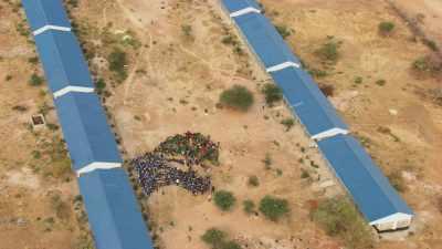 Ecole dans le camp de réfugiés