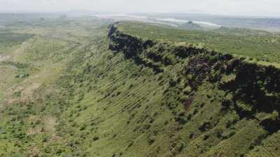 La vallée du Rift en arrivant sur le lac Magadi