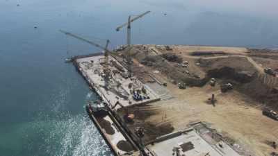 Travaux d'extension du Port de Beyrouth, ouvert fin 2013