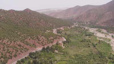 Village de montagne du plateau Timnkar et agriculture