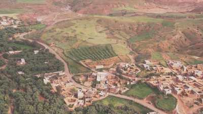 Village, montagnes dans les environs de Douar Shemch