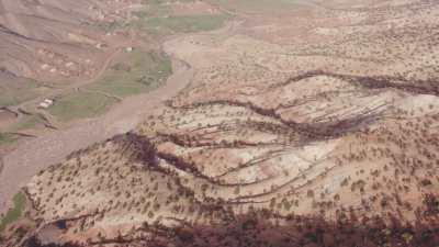 Montagnes, environs de Tizi Ntichka