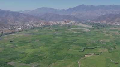 Plage et campagne près de Martil, région d'Afirkane