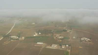 Champs, cultures, campagne près de El Jadida en plongée depuis les nuages