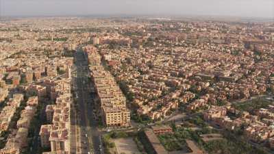 Travelling du boulevard Al Fassi vers gros plan du jardin Majorelle