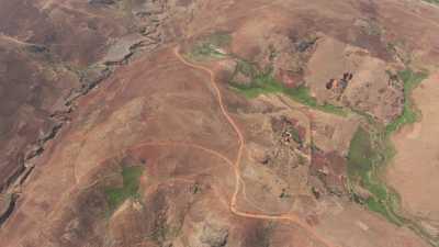 Terres arides et champs