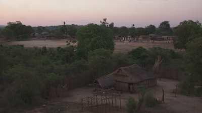 Le fleuve Manambolo au coucher du soleil