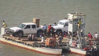 Transport de matériel par la rivière