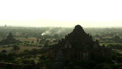Gros plans sur les temples de Bagan
