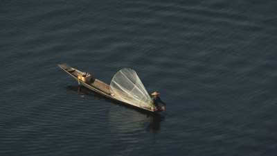 Pêcheurs en pirogue
