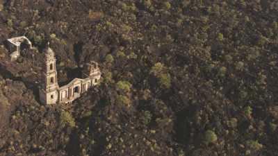 L'église de Parangaricutiro, figée à jamais dans la lave