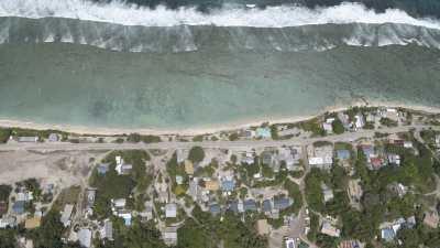 Vues verticales du littoral et de l'intérieur de l'île