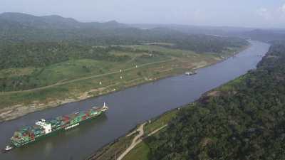 Bateaux sur le canal