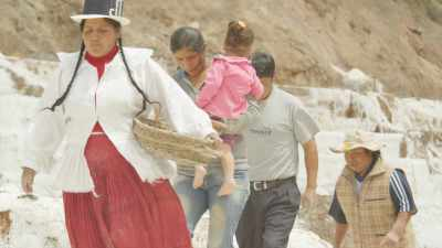 Exploitation traditionnelle des Salins de Maras