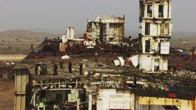 Navires en partie détruits, zoom sur le travail des ouvriers