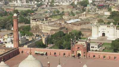 Mosquée Badshahi, Shah Burj Quadrangle