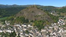 La cheminée basaltique de Bonnevie, La statue Notre Dame