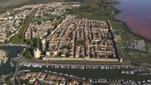 La ville fortifiée  et les salins de Giraud
