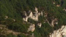 Les plateaux des Causses autour de Millau