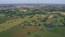 La ville traversée par la Mayenne