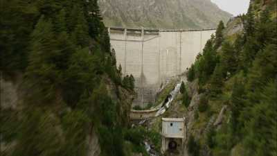 Barrages de Plan d'Aval et Plan d'Amont, Alpes
