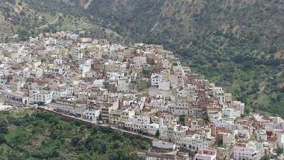 Vallée verte et village