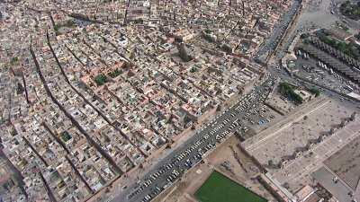 Les remparts et la place Sebaâtou Rijal (les 7 saints)
