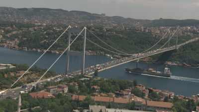 Trafic routier, pont sur le Bosphore