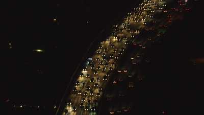 Los Angeles et sa ceinture d'autoroutes la nuit