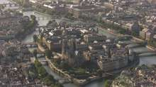 Travelling de Notre-Dame vers le Grand Palais